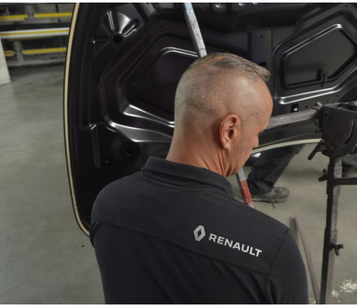View Agence Renault d-Aubenas by BARRE Hubert