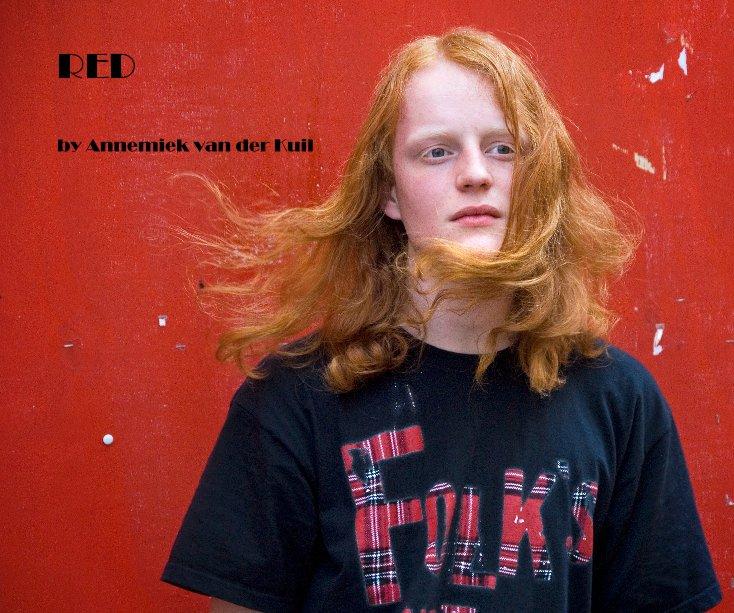 View RED by Annemiek van der Kuil