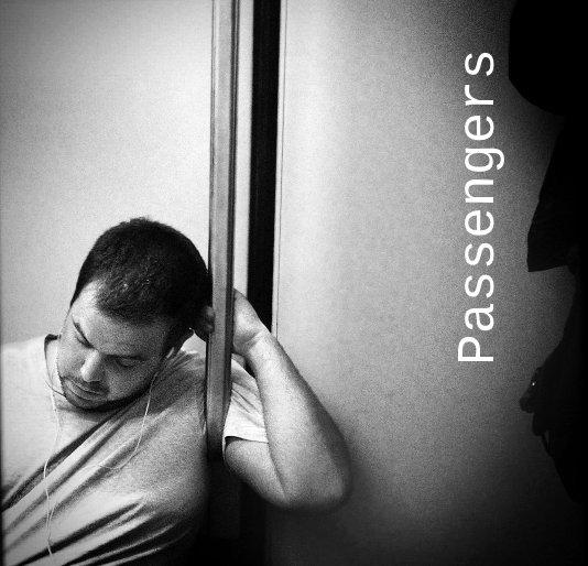 Ver Passengers por Marcelo Aurelio, Godo Chillida, Benjamín Julve, Fran Simó