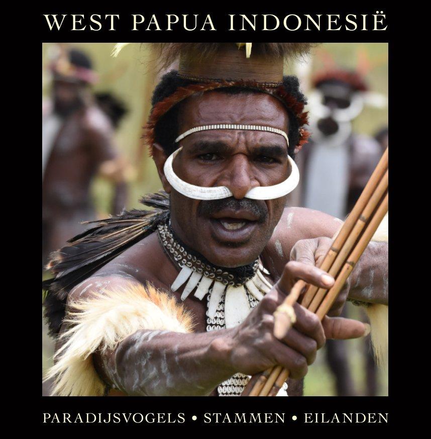 View Stammen en natuur in West Papua by Robert Ellents