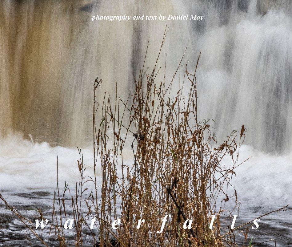 Bekijk waterfalls op Daniel Moy