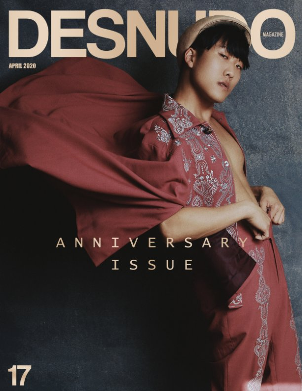 View Issue 17 by Desnudo Magazine